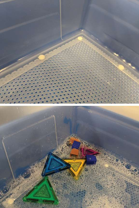 Cleaning Tub with mesh bottom
